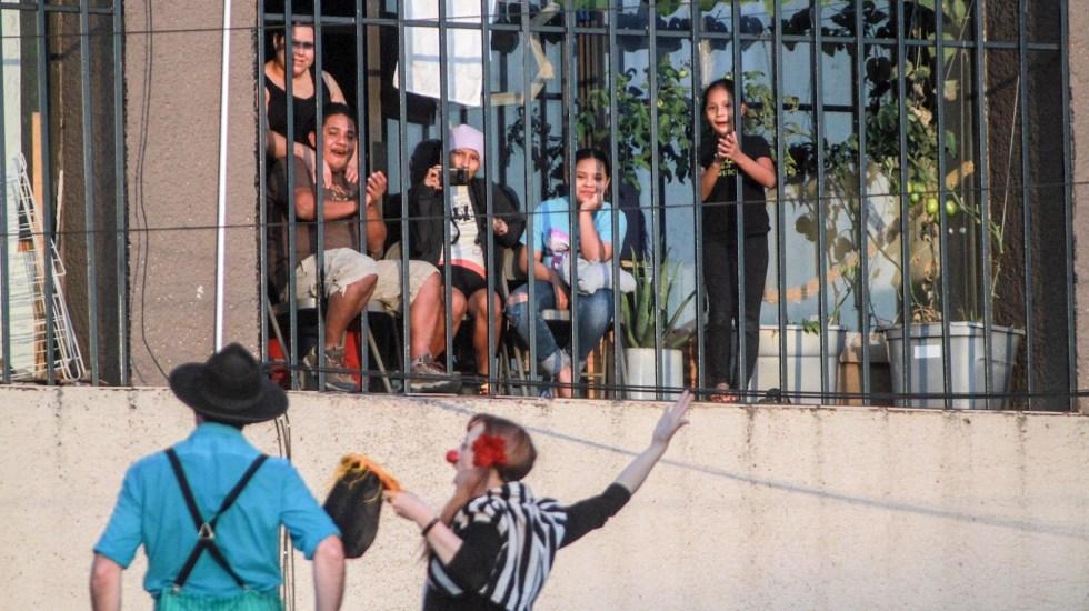 Circo lleva alegría a niños migrantes en albergue de Tijuana - Circo niños migrantes Tijuana 2