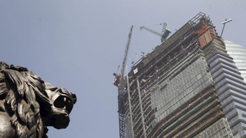 La inversión fija bruta de México cae 17.4 por ciento en agosto - Obras en Ciudad de México. Foto de EFE/Sáshenka Gutiérrez/Archivo.