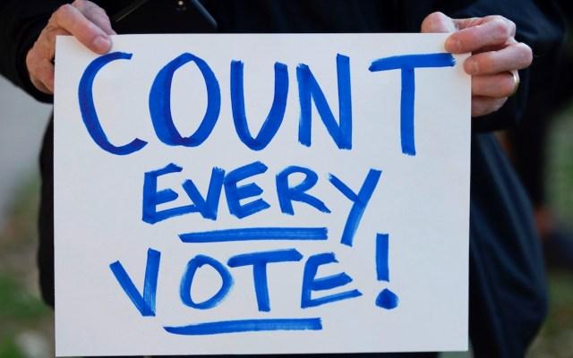 Conteo en cinco estados mantiene en suspenso los resultados de las elecciones presidenciales de EE.UU. - Foto de EFE