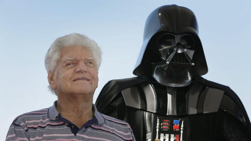 Murió Dave Prowse, actor que interpretó a Darth Vader - Con su 1.98 mts de estarura, Dave Prowse interpretó a Darth Vader en la primera trilogía de Star Wars. Foto de EFE