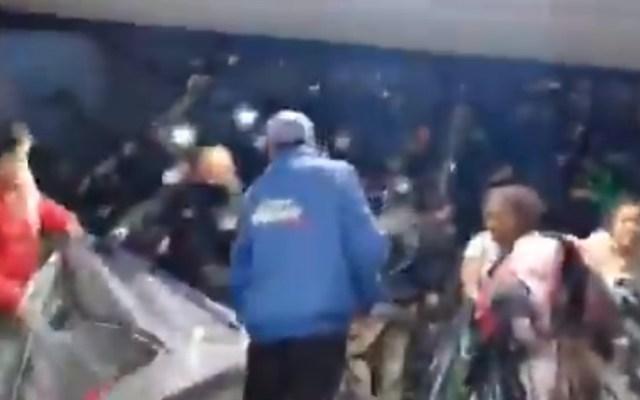 Agentes de FGR desalojan plantón en apoyo a Kenia Hernández; Fiscalía asegura que el caso ya corresponde al Poder Judicial - Desalojo Kenia Hernández