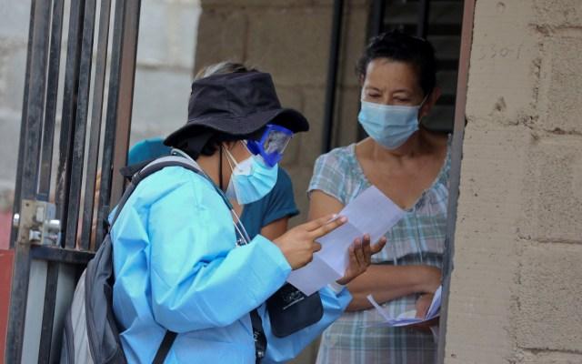 Sugiere OPS priorizar atención primaria y rastreo de contactos para disminuir COVID-19 en América Latina - Despliegue en viviendas de personal sanitario en Honduras para atender COVID-19. Foto de EFE