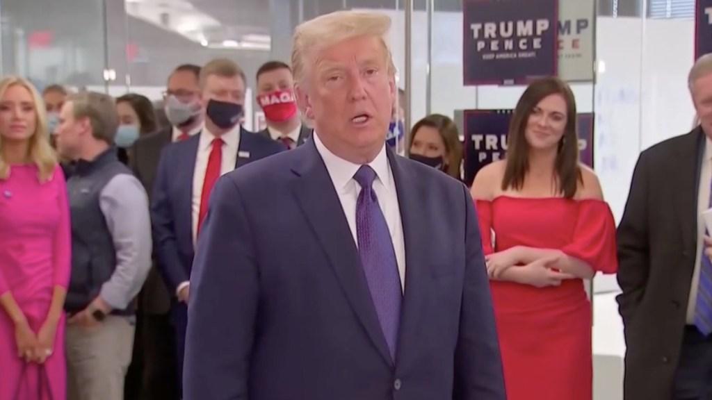 """""""Vamos a tener una gran noche"""", asegura Donald Trump desde su sede de campaña - Captura de pantalla"""