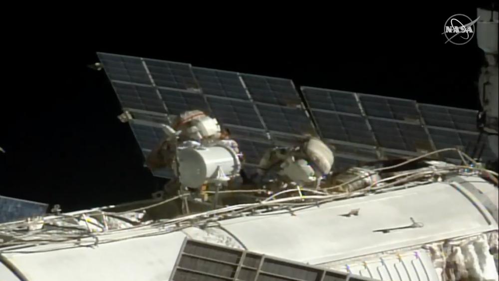 Cosmonautas rusos inician caminata espacial de mantenimiento de la Estación Espacial Internacional - Foto de EFE