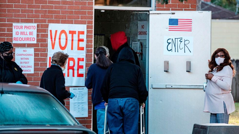Estados Unidos decide su futuro. Abren colegios electorales; 97 millones ya votaron - Elecciones en Alabama. Foto de EFE/EPA/DAN ANDERSON