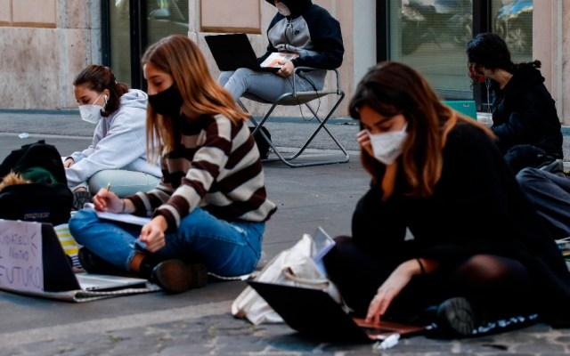 OMS defiende mantener abiertas las escuelas y cree evitables los confinamientos - Foto de EFE