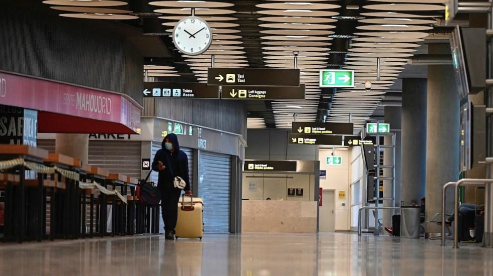 España impone cuarentena a los pasajeros de Brasil y Sudáfrica - Foto de EFE