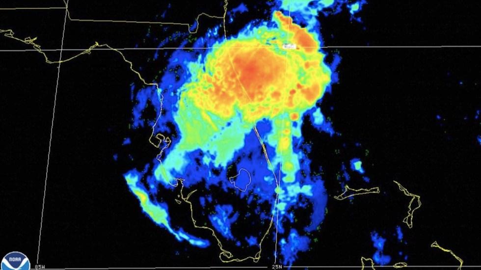 Eta cruza Florida con viento y lluvia para nuevamente salir al Atlántico tras su recorrido por el Caribe - Foto de NHC