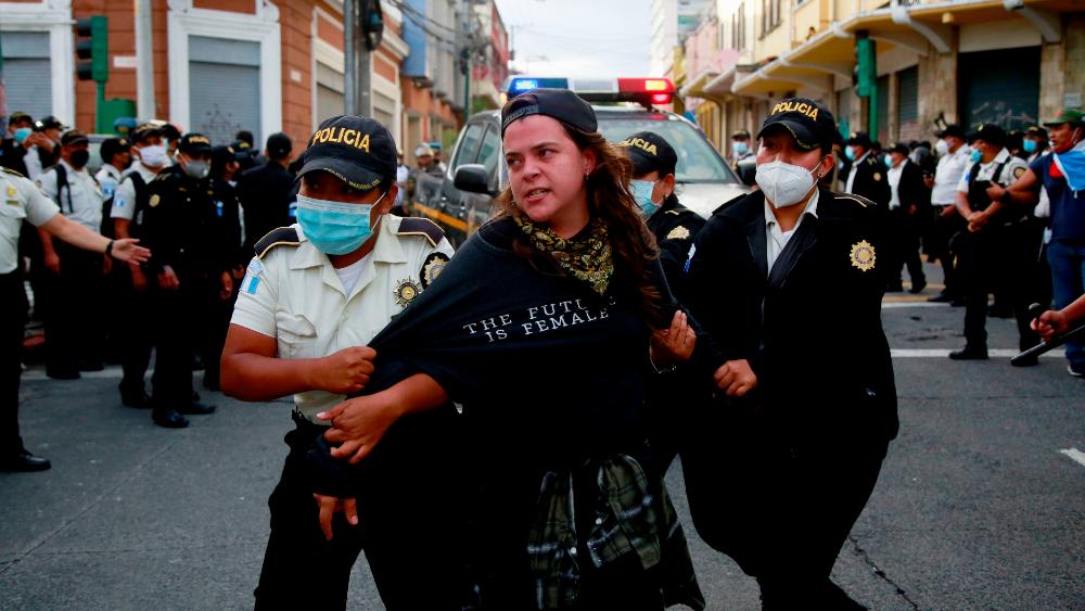 Al menos 22 detenidos durante las manifestaciones en Guatemala - Foto de EFE