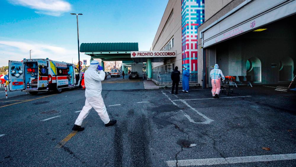 Europa, con récord de muertes por COVID-19, busca evitar que contagios repunten en Navidad - Foto de EFE