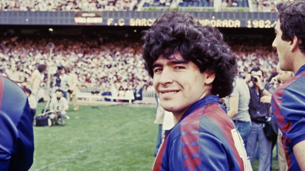 #Video Revelan el tráiler de la serie Maradona: Sueño Bendito - Maradona como jugador del FC Barcelona