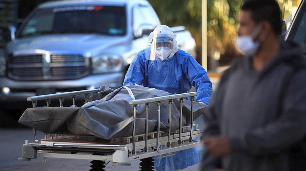 Secretaría de Salud registra en 2020 exceso de mortalidad de 155 mil 990 personas, por posible COVID-19 - Foto de EFE/Luis Torres.