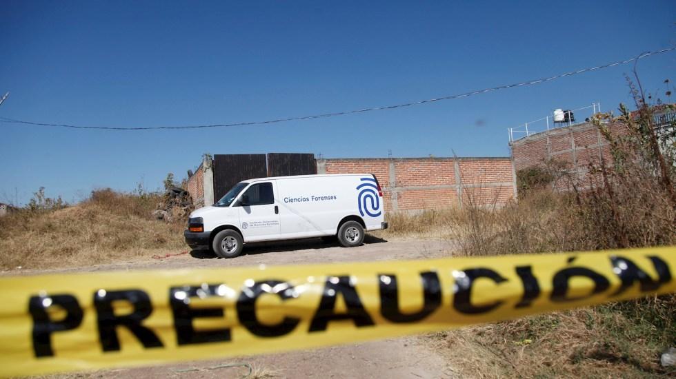 Cortan la mano a tres personas y las arrojan en una carretera de Guanajuato