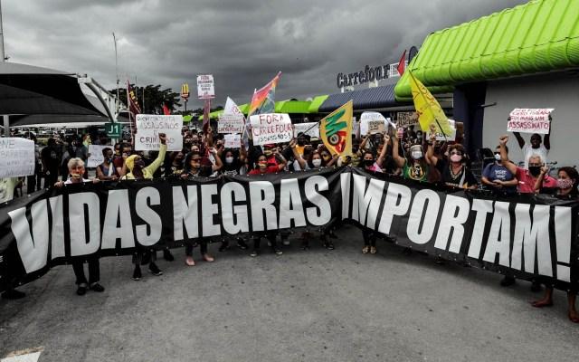 Brasil vive tercera jornada de protestas tras muerte de hombre negro a manos de guardias en supermercado - Protestas Brasil violencia policial negros