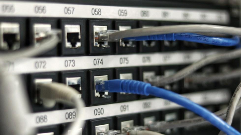 Promete López Obrador duplicar conexión a internet en 2021 - Red de conexión a internet. Foto de Jordan Harrison / Unsplash