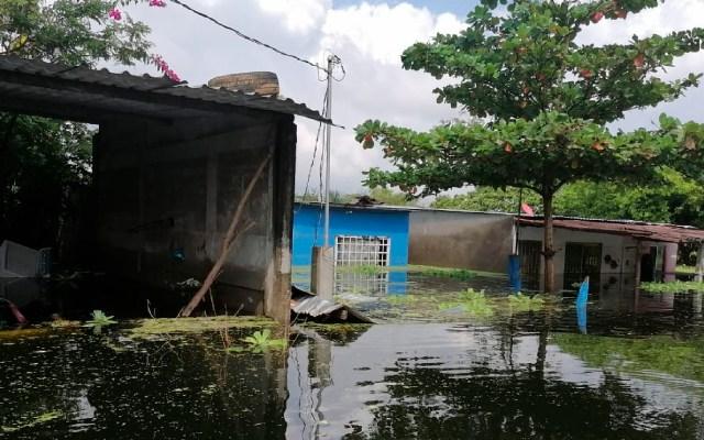 Pronostica Conagua lluvias para cinco estados, entre ellos Tabasco, afectado por inundaciones - Foto Twitter @CFEmx