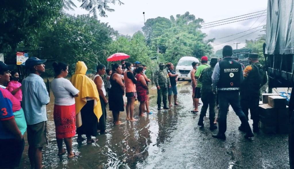 Lluvias e inundaciones en el sureste de México han dejado al menos 21 muertos - Foto de @CNPC_MX
