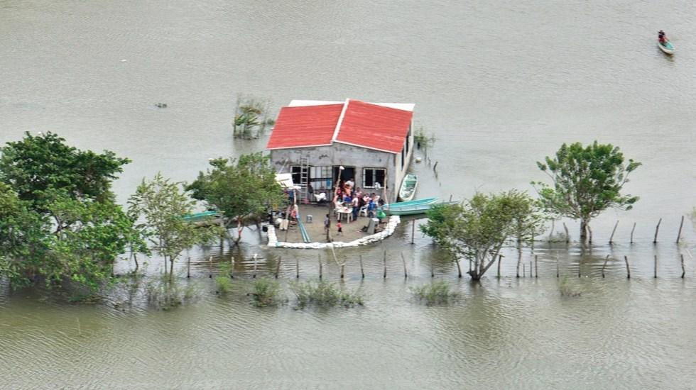 Lluvias provocan nuevo incremento de inundaciones en cuatro municipios de Tabasco - Foto de EFE