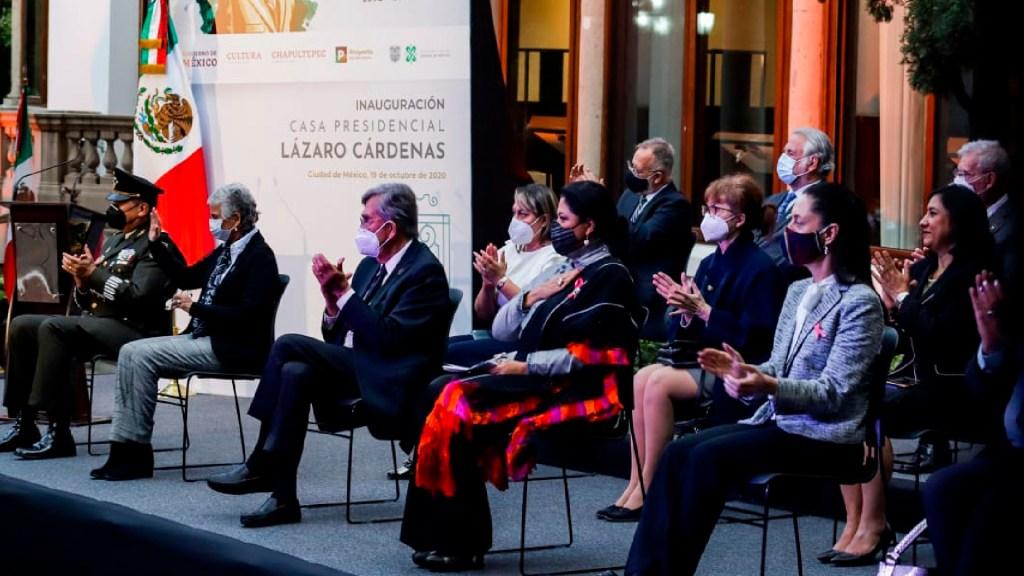 López Obrador ordena por decreto recortar aguinaldo a servidores públicos - Foto Twitter @alefrausto