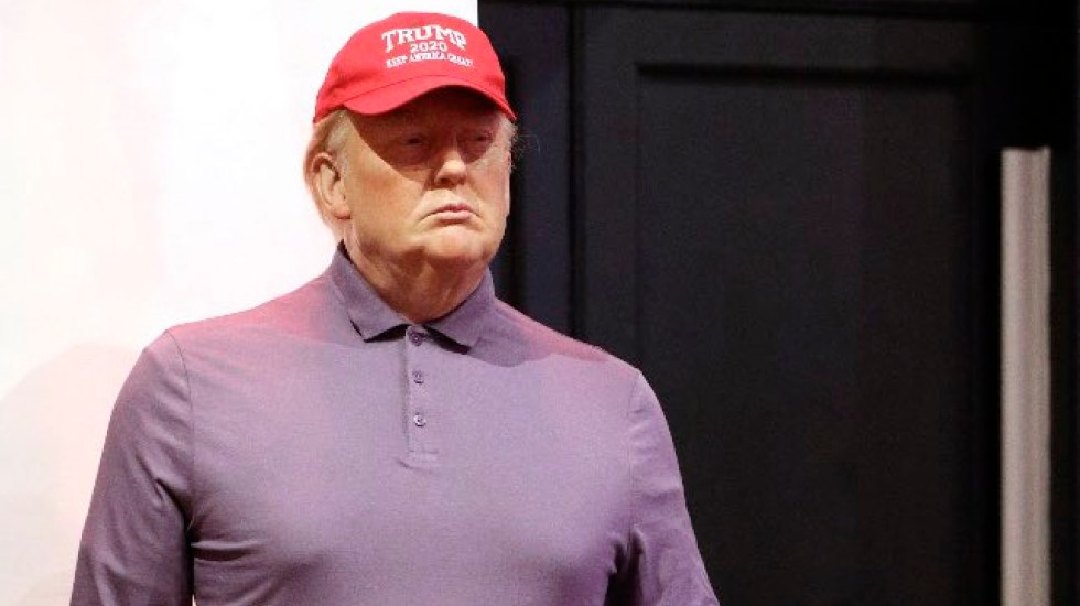 Museo Madame Tussauds viste figura de cera de Donald Trump con atuendo para jugar golf - Foto Twitter @MadameTussauds