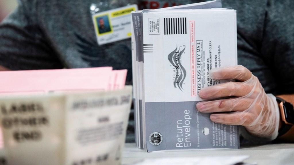 Ordenan búsqueda de votos enviados por correo que podrían estar extraviados - Foto de EFE