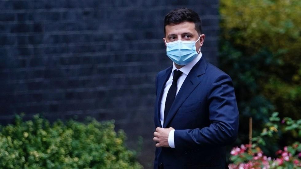 Hospitalizan a presidente de Ucrania tras contagio de COVID-19 - Foto de EFE
