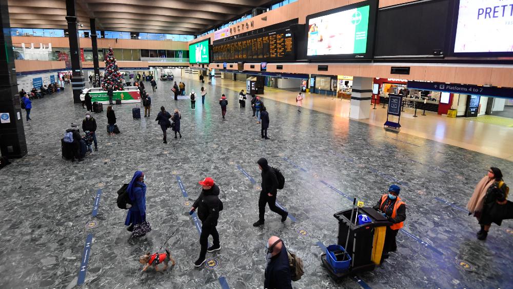 Estados Unidos emite alerta de seguridad para viajes a Mexicali - Viajeros. Foto de EFE