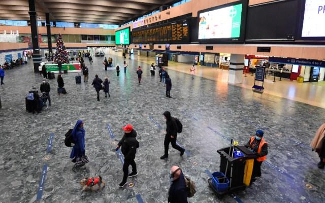 EE.UU. exige un test negativo a los viajeros del Reino Unido a partir del lunes - Foto de EFE