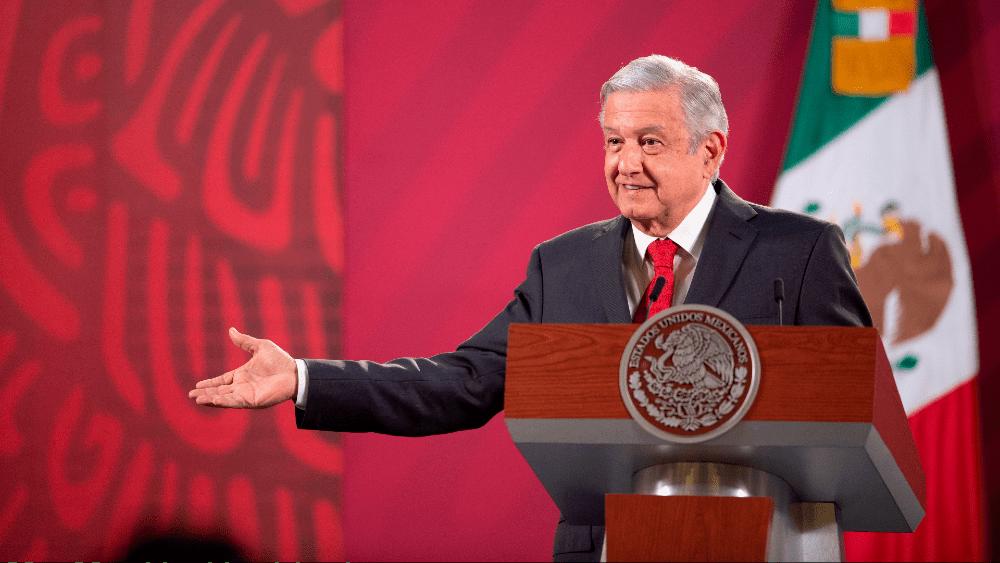 López Obrador se mancha al limpiar a México de la corrupción - Foto de EFE