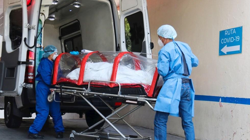 Disminuyen hospitalizaciones por COVID-19 en la Ciudad de México - Paciente infectado de la COVID-19 ingresa en cápsula COVID al área de Urgencias del Hospital General de Zona 1-A