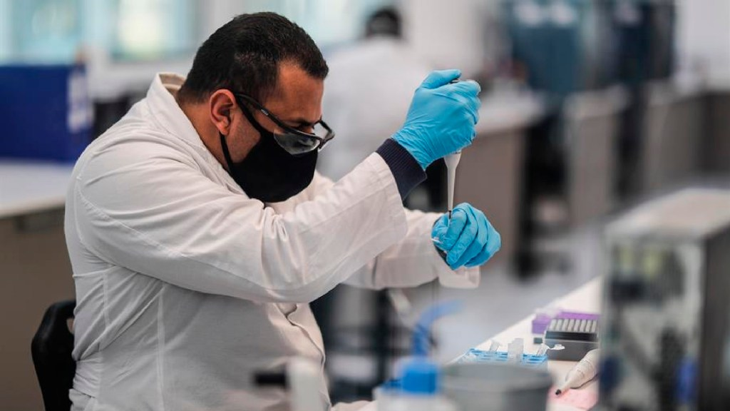 El Salvador autoriza uso de vacuna de AstraZeneca contra COVID-19 - El Salvador autoriza uso de vacuna de AstraZeneca contra COVID-19. Foto EFE