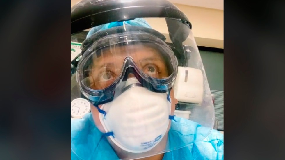 #Video Enfermero del Seguro Social explica en TikTok efectos de vacuna contra COVID-19 - Enfermero del Seguro Social explica en Tik Tok efectos de vacuna contra COVID-19. Foto Captura de pantalla