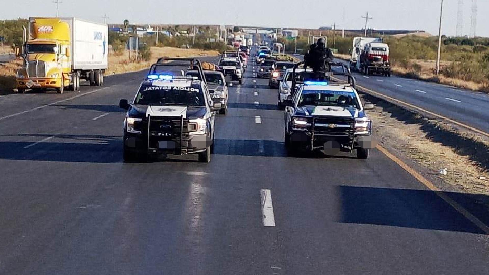Entra de EU a México caravana de 700 autos; van con sus familias por fin de  año | El Universal - glbnews.com