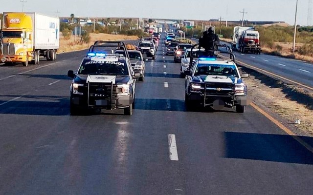 Seguridad de Tamaulipas acompaña megacaravana de paisanos que regresan de EE.UU. - Gobierno de Tamaulipas acompaña megacaravana de paisanos que regresan de EE.UU. para pasar fiestas decembrinas en México. Foto Gobierno de Tamaulipas