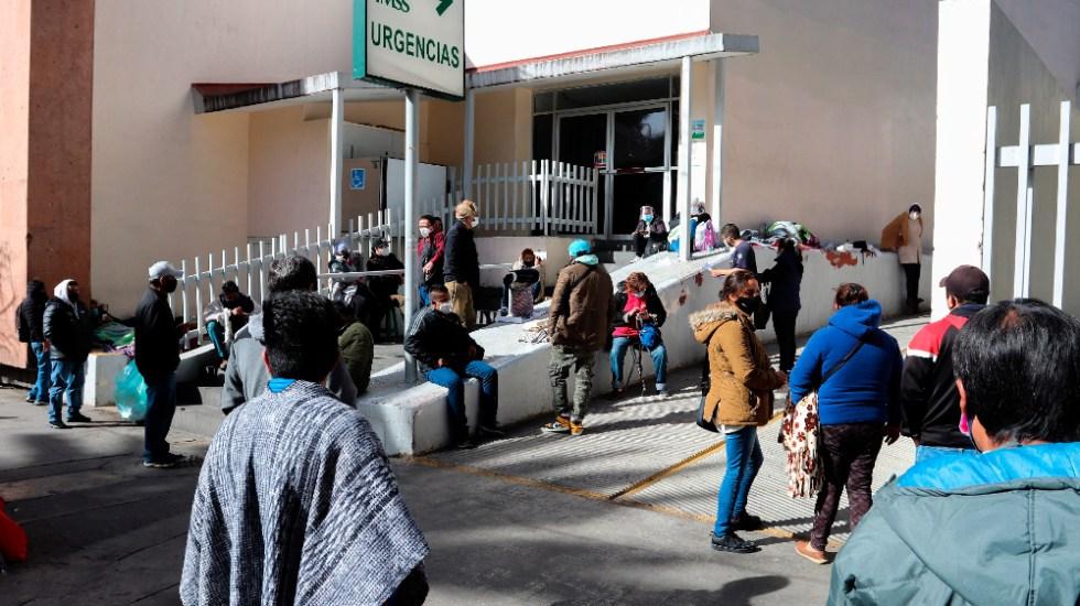Mexicanos despiden el año en hospitales abarrotados y en vilo por enfermos - Foto de EFE