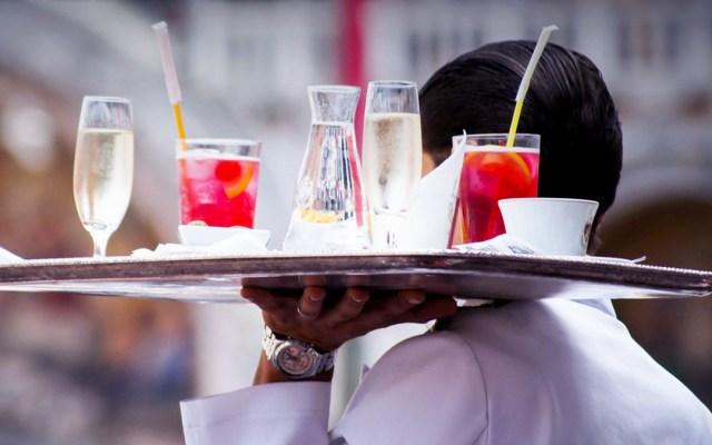 Reabrirán los fines de semana en Nuevo León centros comerciales y restaurantes - Industria restaurantera en Nuevo León. Foto de @gobiernonuevoleon