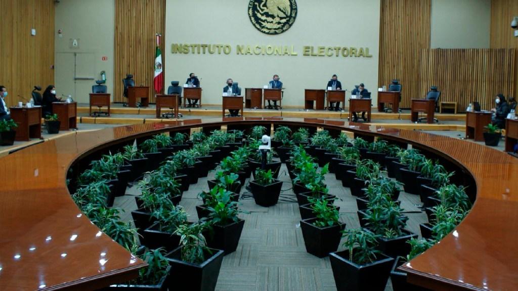 INE ordena a Morena retirar spot contra la alianza del PAN, PRI y PRD - INE ajusta presupuesto para 2021 tras reducción ordenada por la Cámara de Diputados. Foto Twitter @INEMexico