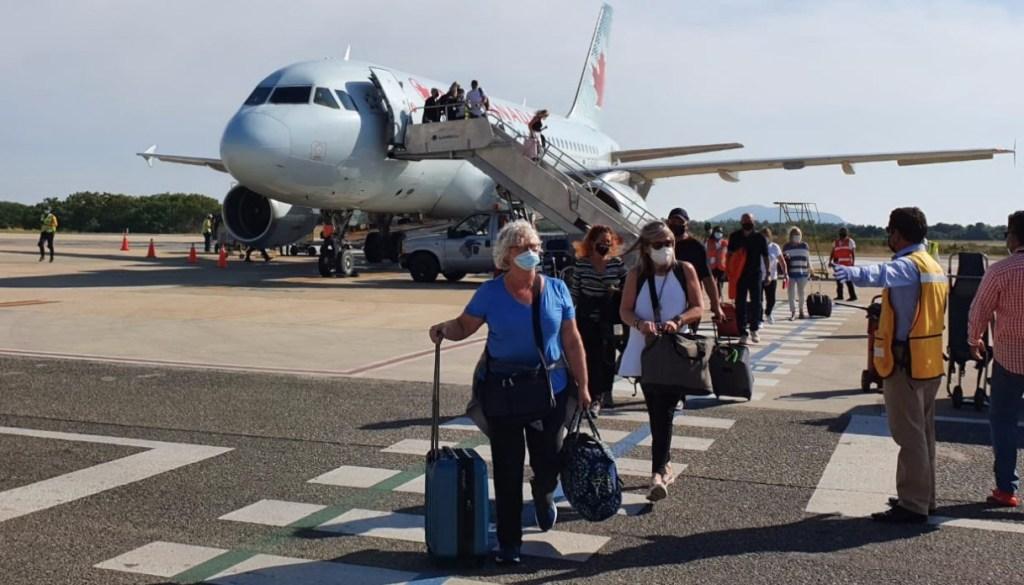Ocupación hotelera en los destinos de Guerrero no ha rebasado los aforos permitidos, asegura Héctor Astudillo - Foto de Sectur Guerrero