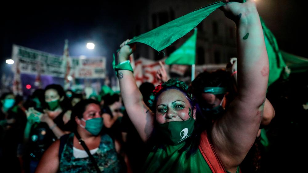 Argentina marca un rumbo para los derechos de la mujer en Latinoamérica - Foto de EFE