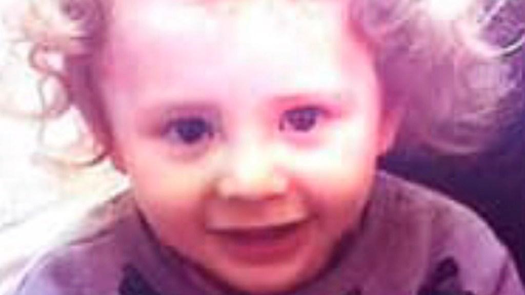 Menor de dos años desaparece en Coyoacán; acusan al padre de raptarlo - Maximiliano, menor de 2 años, sigue desaparecido desde hace 2 semanas. Su padre finge cuidarlo y lo roba a su madre. Foto @FiscaliaCDMX