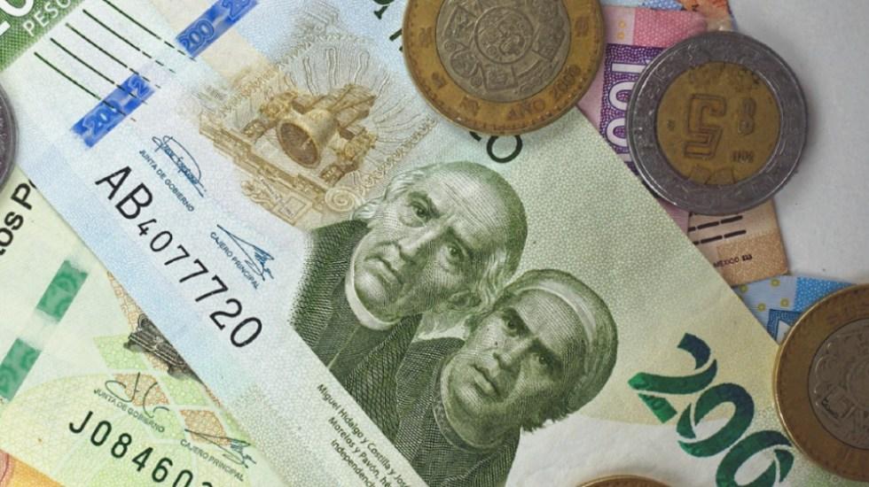 Segunda ola de COVID-19 ralentiza economía mexicana; PIB anual cayó 2.9 % en primer trimestre del año - Billetes y monedas mexicanas. Foto de Banxico