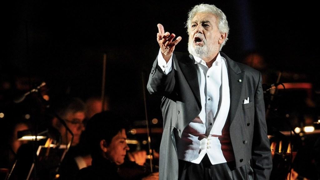 Plácido Domingo celebra su regreso a La Scala pero extraña la presencia del público - Foto de EFE