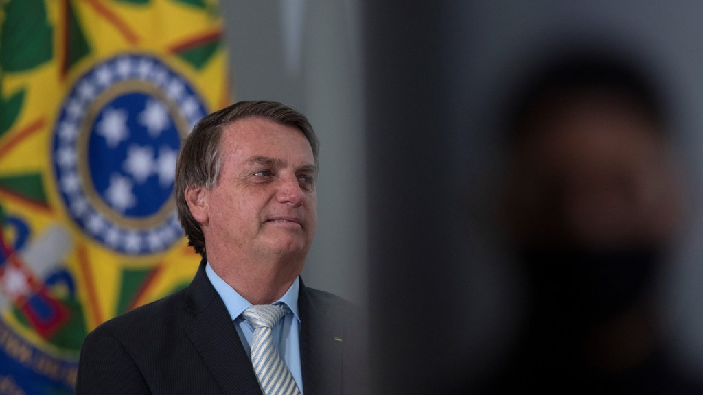 Human Rights Watch acusa a Bolsonaro de usar ley de dictadura para intimidar a sus críticos - Presidente Jair Bolsonaro de Brasil. Foto de EFE