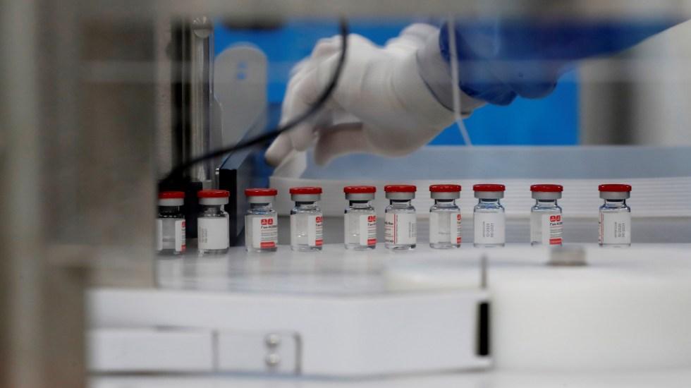 Farmacéuticas esperan que haya vacunas contra COVID-19 para todo el mundo en 9 meses - Producción de vacuna contra COVID-19. Foto de EFE