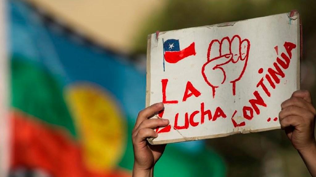 Protestan en Chile para exigir liberación de detenidos por ola de protestas de 2019 - Protestan en Chile para exigir liberación de detenidos por ola de protestas de 2019. Foto EFE