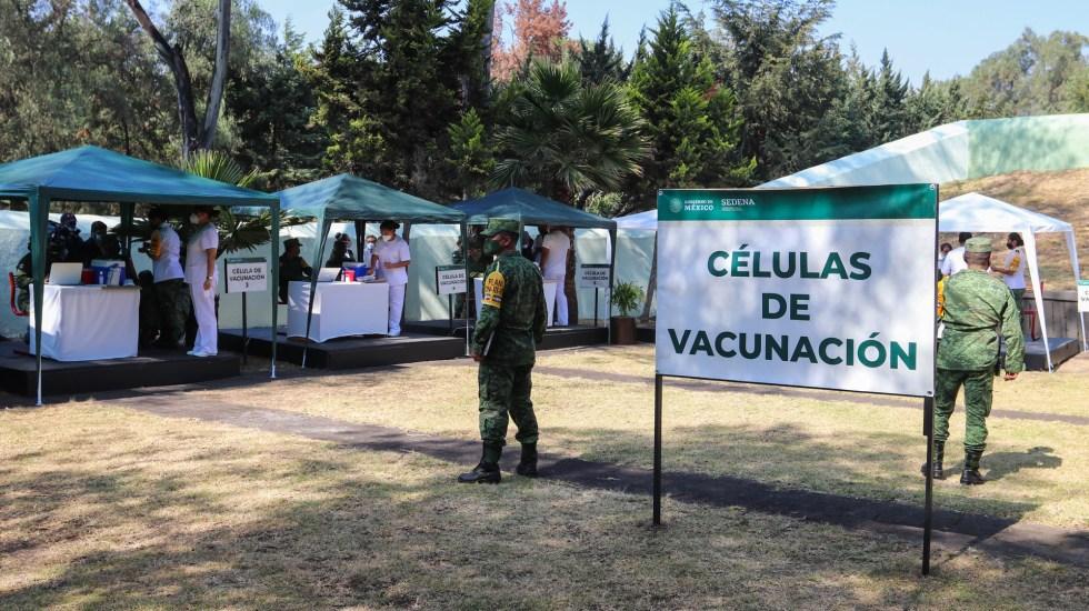 Vacunación contra COVID-19 iniciará el jueves, confirma AMLO; se intentará llevar dosis fuera de CDMX y Coahuila - Puestos de vacunación contra COVID-19 que se instalarán en CDMX y Coahuila tras llegada de vacuna de Pfizer. Foto de EFE