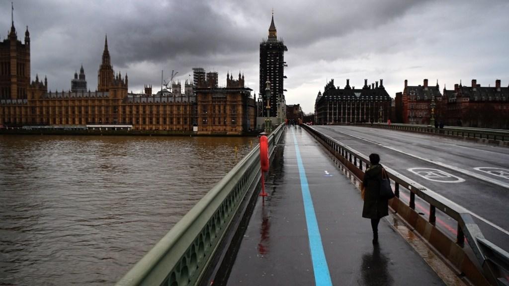 Nueva variante de COVID-19 obliga a confinar a gran parte de Reino Unido - Foto de EFE