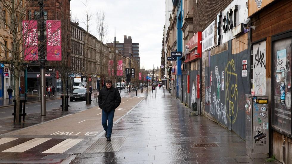 Confinamiento en Reino Unido se alargaría hasta marzo - Calles semivacías en Reino Unido por confinamiento ante repunte de COVID-19. Foto de EFE
