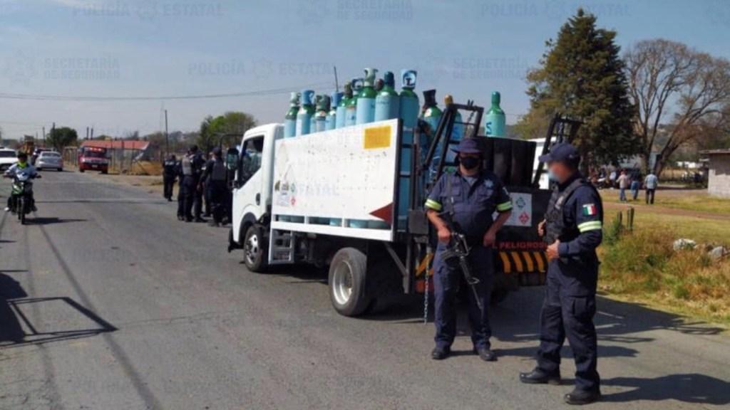 Recuperan camión robado con tanques de oxígeno y detienen a dos en Tultepec - Foto de @SS_Edomex