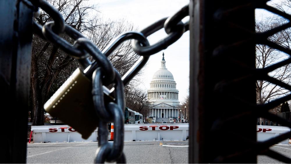 Detienen a hombre que intentó entrar a centro de Washington con 500 balas - Foto de EFE